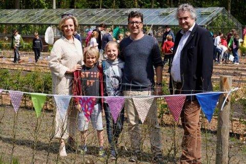 Schoolkinderen uit Essen gaan samentuinen