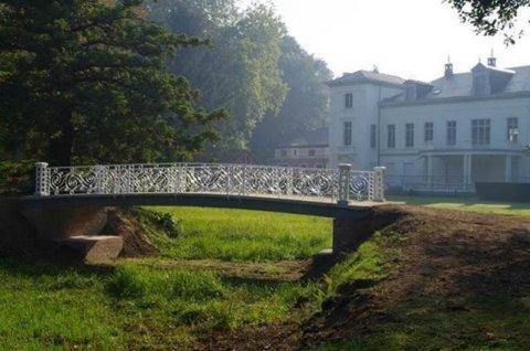 Sierlijke brug in Hof ter Borght hersteld